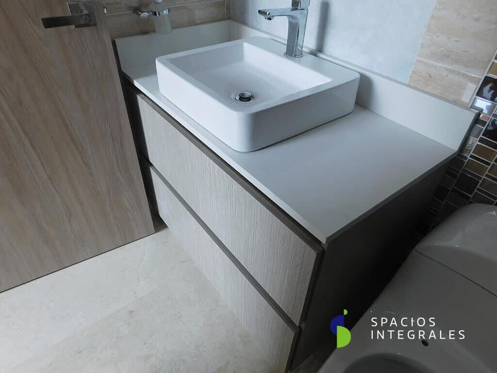 Muebles para ba o en madera mes n en granito dekton for Implementos de bano