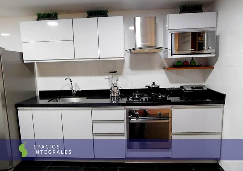 Cocinas integrales modernas de excelentes acabados para su for Granito negro brillante