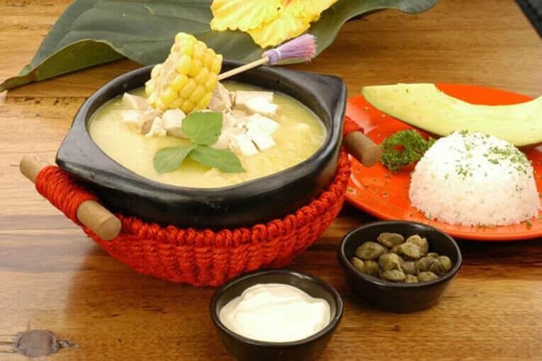 Ajiaco santafereño, plato típico de Bogotá