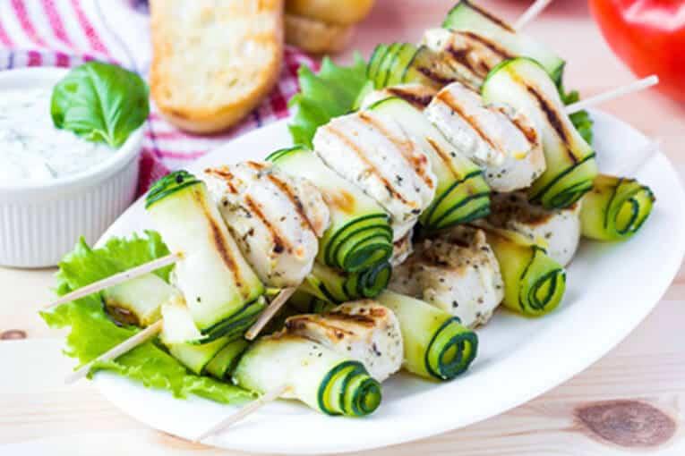 Spacios Integrales - Brochetas de pollo con zucchini