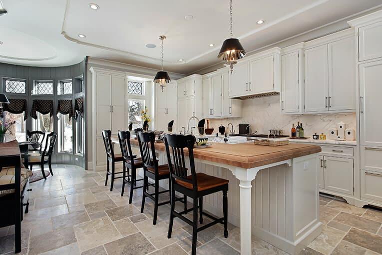 ✅ ¡5 diseños de cocinas con isla o mesa para comer que amarás!