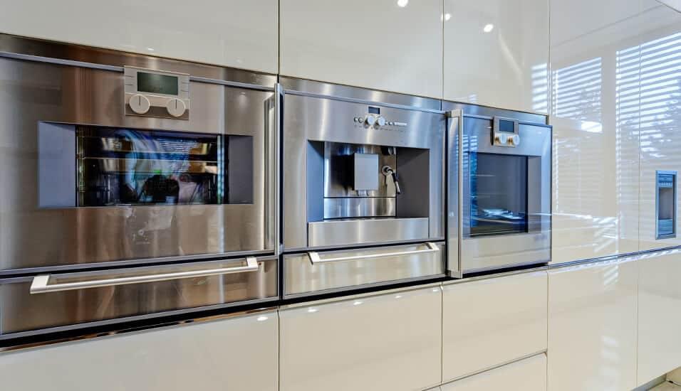 cocinas-integrales-linea-poliuretano-spacios